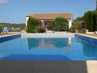 Los-Olivos III, spacious apartment in allmost new finca, quiet area, large pool