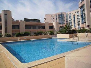 Appartement T3 dans résidence de standing avec accès piscine et garage fermé