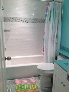 Full bath next to bunk room 1