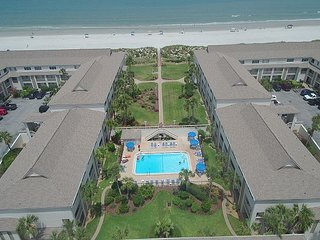 Ocean/Pool View Condo at Four Winds, Flat Screens, WIFI, Balcony, 2 Pools