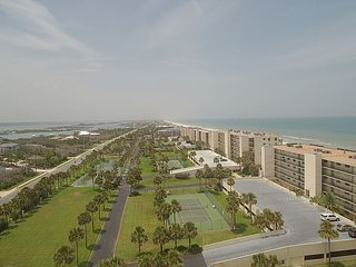 3 Bedroom Oceanfront Luxury Condo - Sand Dollar III, 404 - Condo