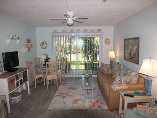 Beautifully Decorated Ground Floor Condo, Boat Parking, Pool, Tennis Court