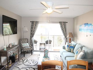 Pet Friendly, 2 Bed, Pool, Tennis Court - Pelican Inlet D229 - Condo