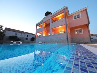 Brand new apartment (A1) with 60m2 heated swimming pool