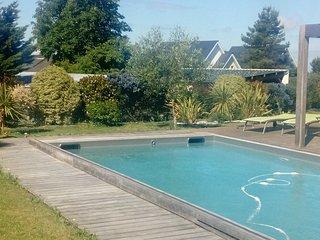 Grande villa avec piscine chauffée pour 8-10 personnes