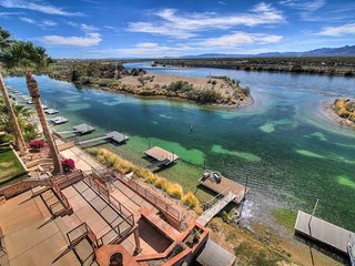 Bullhead City 6 Bedroom/7 Bath on the River!