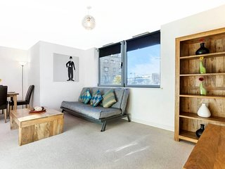 Sophisticated, Spacious 2Bed/2Bath Flat in Camden