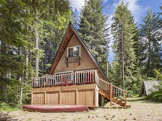 Get back to the Simple Life at this charming little cabin, hot tub