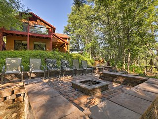 Scenic Cabin w/Private Deck 20 Mins from Sedona!