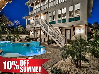 2 FREE Golf Carts, Luxury Home + Guest House w/ Pool & Spa + FREE VIP Perks!!