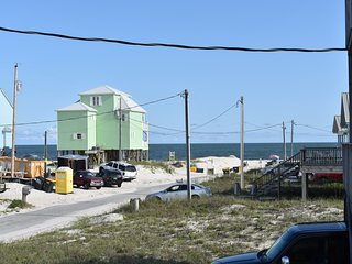 Peach on the Beach - 3 BR / 2 BA
