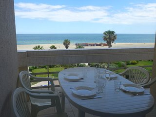 2 bedroom Apartment in Canet-Plage, Occitania, France : ref 5056236