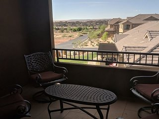 Luxury Town Home Heated Pool/Hot Tub Access/ Beds for 16