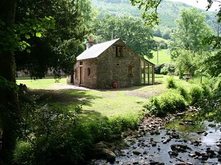 The Bwythyn - a Riverside Retreat