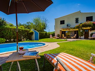 Quinta Las Brisas Four bedroom Villa in Vale do Lobo with Heated Pool