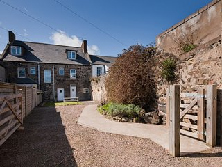 CN034 House situated in Bamburgh (4mls W)