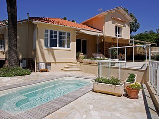 Theoule-sur-Mer Holiday Villa 10336