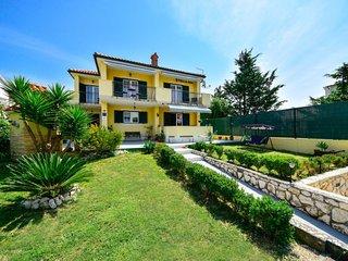 3 bedroom Villa in Barbat, Primorsko-Goranska Županija, Croatia : ref 5061236