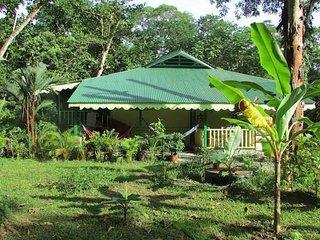 Casa HELICONIA - El Jardin de Playa Negra