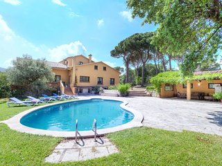 4 bedroom Villa in Sant Antoni de Calonge, Catalonia, Spain : ref 5633003