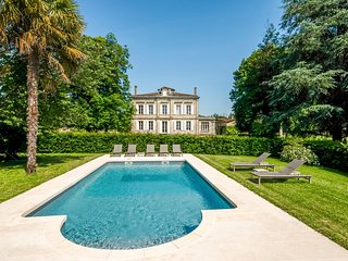 6 bedroom Chateau in Montignac-le-Coq, Nouvelle-Aquitaine, France : ref 5049697