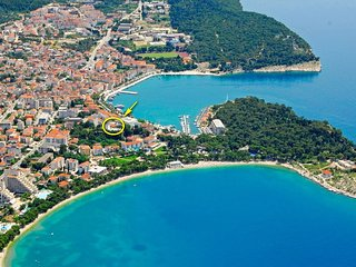 LAST MINUTE from 3. OCTOBER ! LUIGI Apartment 4+2, in the heart of Makarska