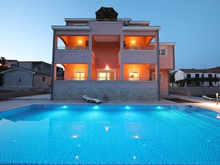 Brand new apartment (A2) with 60m2 heated swimming pool