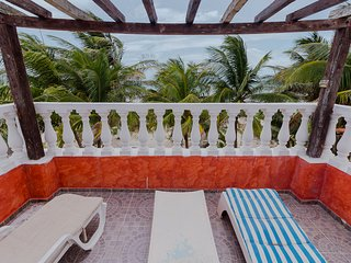 Beachfront Casa Maya Lodge, Robinson Crusoe 100%