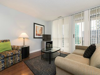Fully Furnished Executive 1BR + Den in Upscale Yonge and Sheppard Area