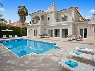 4 bedroom Villa in Vale do Garrao, Faro, Portugal : ref 5633008