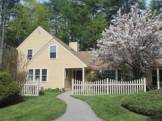 New! Delightful 3 bed White Mountains home. Close to North Conway & Storyland