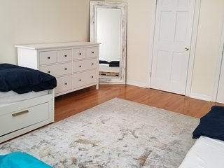 Huge room perfect for shares of 2-4
