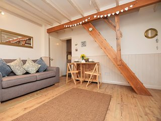 MASTR Cottage situated in Appledore