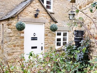 CC017 Cottage situated in Stow-on-the-Wold