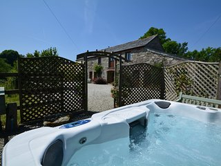 LTBUZ Barn situated in Fowey (11mls N)
