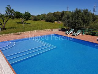 Rural house for 8 p. with pool, close to the beach