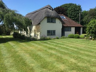 NFL66 Cottage situated in Beaulieu