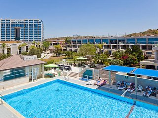 Herzliya Marina Village for 2