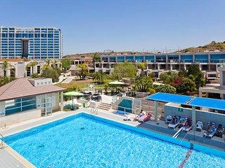 Herzliya Marina Village for 2