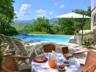 2 bedroom Villa in Tronchetti, The Marches, Italy : ref 5049095