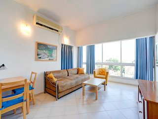 5.Hayarkon 210 One bedroom for 2