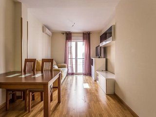 Modern  1 BR apt  in Vallecas (4 stops to retiro)