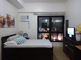 Fabulous Flat in Quezon City`s Shopping District