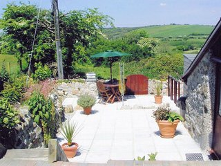 KEREN Barn situated in Fowey (5mls NW)