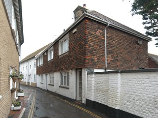 WCC10 Cottage situated in Whitstable