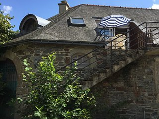 'theapartmentholiday' - Holiday Apartment located in Central Brittany Sleeps 4