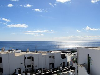2 bedroom apartment, large private terrace, sunloungers, sea views, free wifi