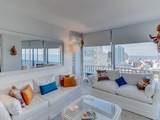 Moderno apartamento con vista al mar- Modern apartment with ocean view
