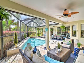 NEW! Lux Homosassa Home w/Pool & Outdoor Kitchen!
