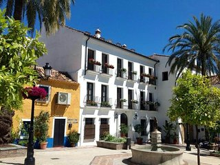 Elegant & Stunning Apartment in the Old Town of Marbella - 3 Bedrooms Sleeps 4